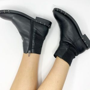 BRONX Black Studded Leather Ankle Boots 37